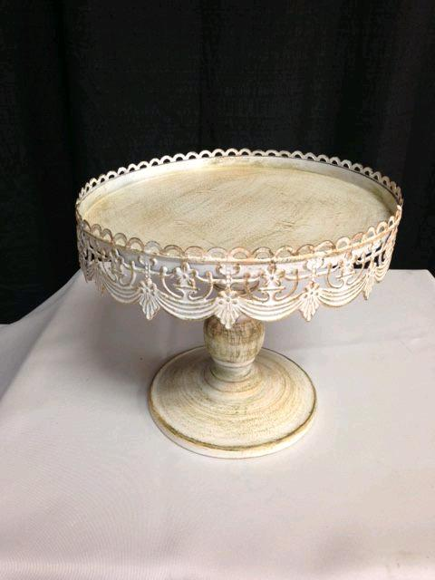 Where to find CAKE STAND 10  RND ANTIQUE WHITE in Denver